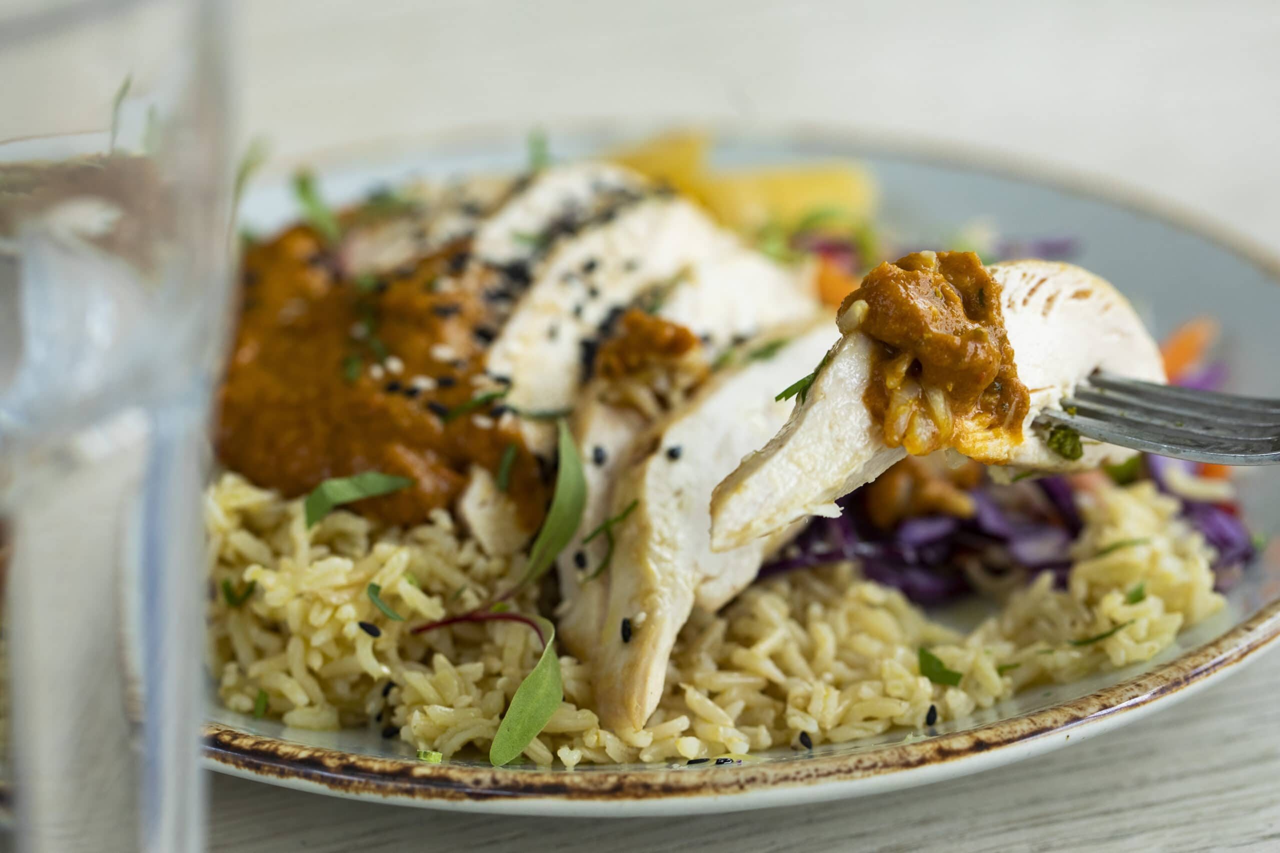 Meal prep healthy chicken and rice for weight loss